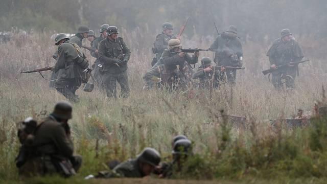 Rekonstrukce bojů na východní frontě - ilustrační foto