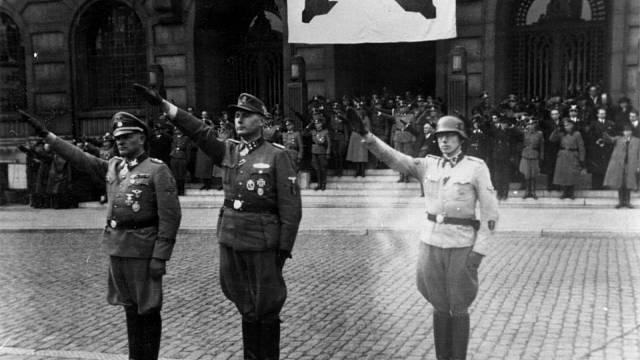 Leon Degrelle, Hitlerův stoupenec, 1. dubna 1944