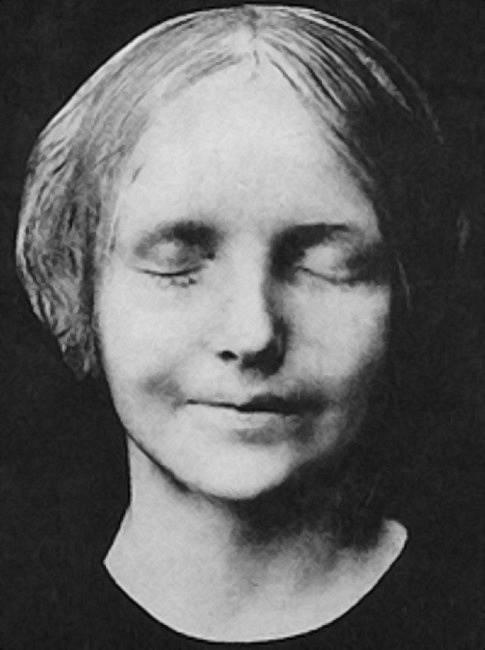Posmrtná maska neznámé dívky utopené v Seině