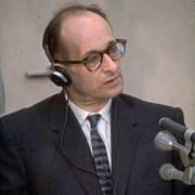 Adolf Eichmann v roce 1961 před izraelským soudem