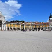 Náměstí Praça do Comércio, jedno z největších a nejkrásnějších náměstí v centru Lisabonu