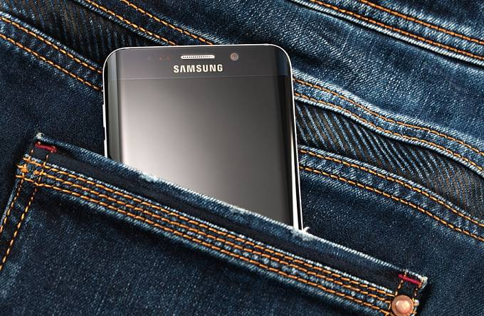 Samsung stahuje telefon Galaxy Note 7. Ilustrační foto.