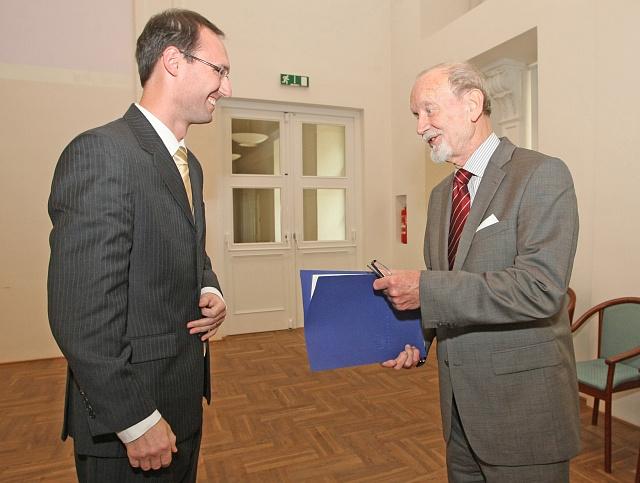 Vroce 2011jmenoval děkan FSS MU Břetislav Dančák jmenoval profesora Iva Možného emeritním profesorem.
