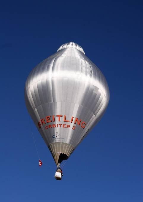 Balon Breitling Orbiter 3 ve vzduchu
