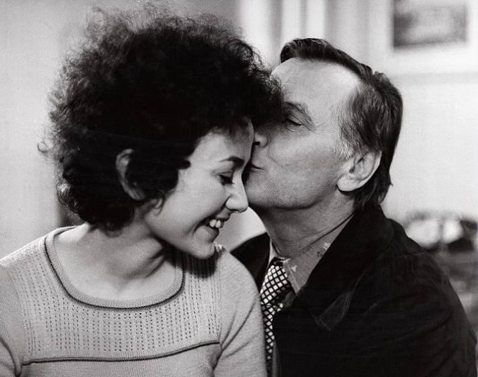 Jana Boušková a Josef Langmiler v seriálu Žena za pultem