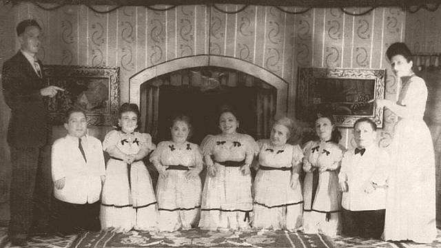 Trpasličí Rodina Ovitzových