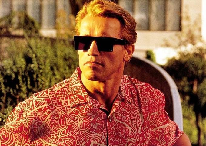 Když Arnold Schwarzenegger nebyl zrovna Terminátorem, vypadal poměrně uhlazeně.
