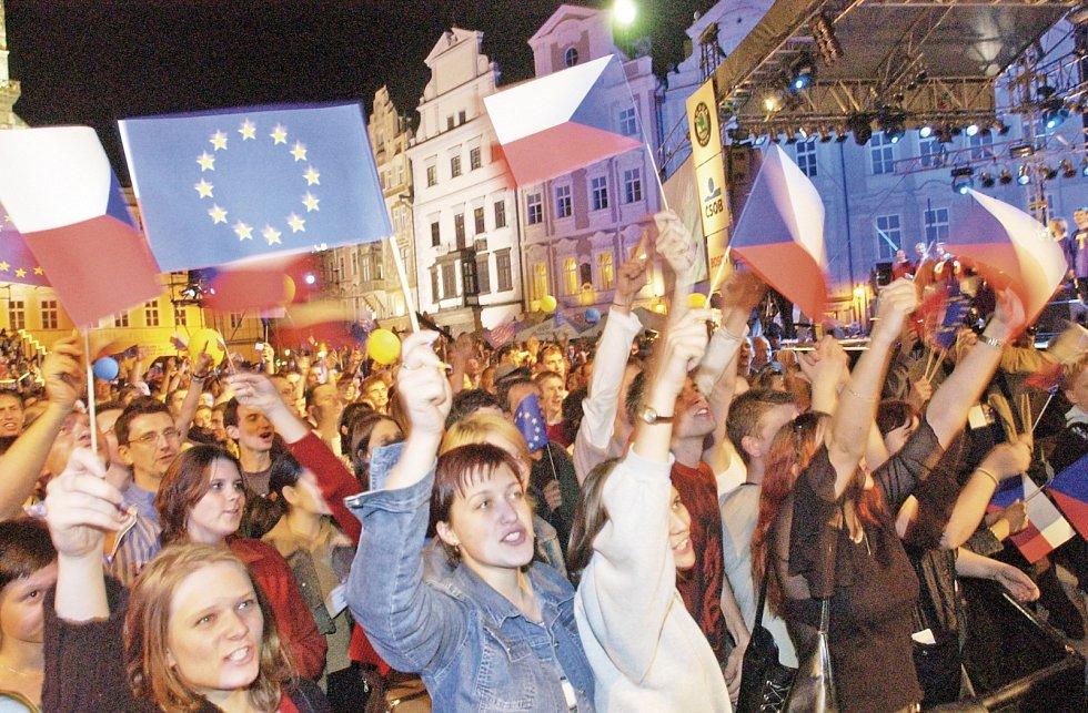 Oslavy vstupu do EU. Ilustrační foto.