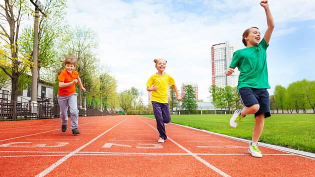 Sportující děti. Ilustrační foto.
