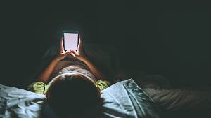 Průzkum: Mladí a nahota na internetu