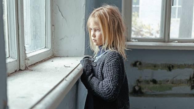 Přes 20 tisíc dětí žije v Česku v rodinách v závažné bytové nouzi. Ilustrační foto.