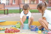 Děti na pískovišti. Ilustrační foto.