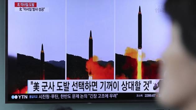 Severní Korea odpálila raketu schopnou nést jadernou hlavici.
