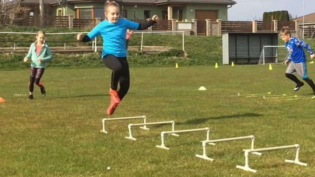 Trénink fotbalové mládeže v Cítolibech.