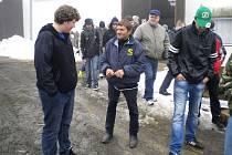 Studenti Gymnázia a SOŠ Podbořany se vydali na farmu Mlýnce u Žlutic, kde hospodaří známý český žokej Josef Váňa.