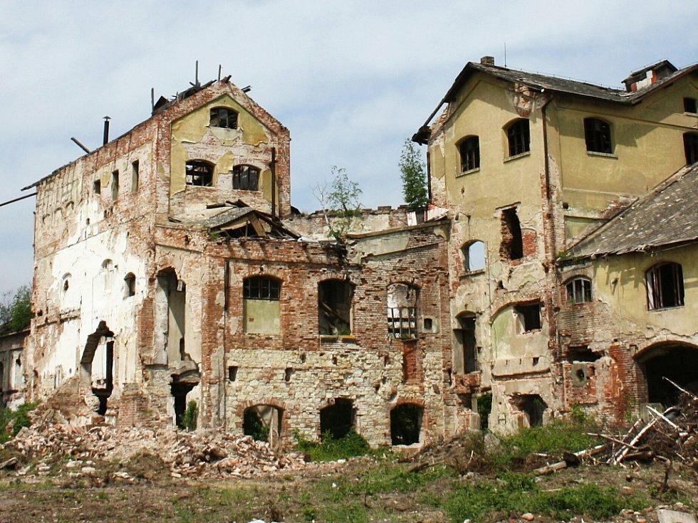 Z budov cukrovaru v Lenešicích jsou jen trosky.