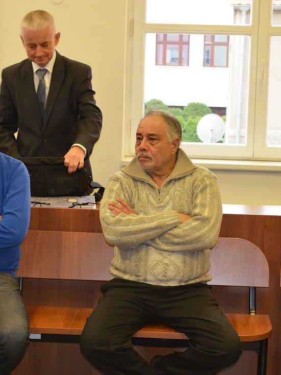 Lounský soud se zabýval případem mezinárodní skupiny, která převážela nelegální migranty z Maďarska do Německa.