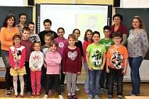 O děti v ZŠ Koštice pečují učitelky Jiřina Nováková, Lucie Hoblíková, Vendula Pivcová a ředitelka školy Ladislava Součková.