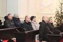 Rozjímat a poslouchat přitom vážnou hudbu mohli návštěvníci Tříkrálového koncertu v Postoloprtech v tamním kostele.
