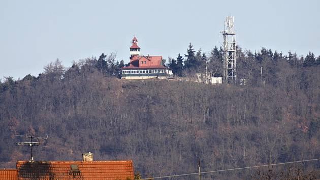 Město Louny vlastní i lesy na vrchu Červeňák.