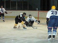 Hokejisté Slovanu Louny  v neděli v posledním domácím utkání přeboru, kde šlo o druhé místo, prohráli s Kadaní B.