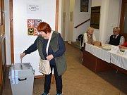 Volby v okrsku číslo 10 v ulici Obránců míru v Žatci.