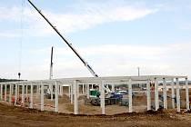 Výstavba nového nákupního centra v Žatci.