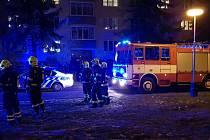 Hasiči v Žatci zasahovali v neděli 31. ledna navečer v panelovém domě v ulici Volyňských Čechů. Z bytu tam vycházel kouř, majitel ale nebyl přítomen. Po vniknutí dovnitř hasiči zjistili, že na sporáku nechal majitel bytu vařit jídlo.