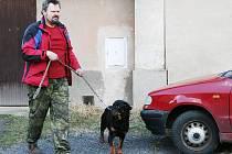 Jaroslav Kubalík odvádí psy