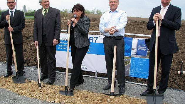Slavnostní zahájení výstavby silnice R7 mezi Žateckem a Chomutovem