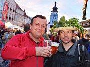 Pivo, chmel, zábava. V Žatci se během Dočesné baví desetitisíce lidí.
