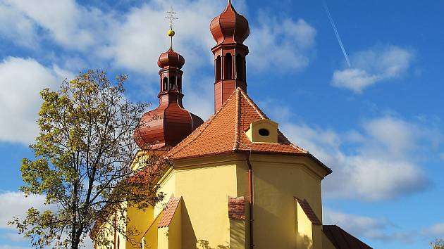 Zrekonstruovaný kostel v Radíčevsi u Žatce.