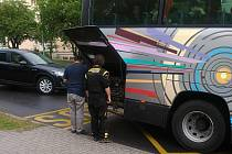 Lidé si často stěžují na technický stav autobusů firmy K Servis Bohemia na trase Žatec - Praha