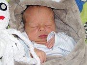 Adam Novotný se narodil 7. října 2017 ve 12.30 hodin mamince Lucii Novotné z Jesenice. Vážil 3290 g a měřil 49 cm.