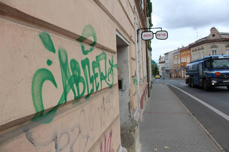 """Pouliční """"umění"""" v centru města."""