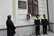 V Lounech si lidé a  vedení tamní radnice připomněli Den památky obětí holocaustu.