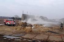 Požár stohu v Židovicích na Lounsku