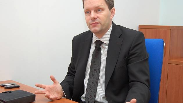 Senátor Marcel Chládek žatecké kanceláři.