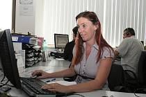 Radka Mlejnková pracuje v lounském call centru společnosti T-Mobile desátým rokem.