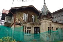 Památkově chráněná vila vyrostla v areálu papíren při jejich vzniku v 19. století. Archivní foto