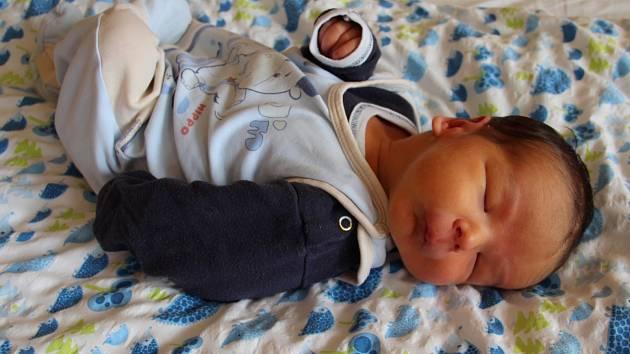 Jakub Valach se narodil 16. února 2019 v 9.19 hodin rodičům Lucii Hodíkové a Štefanu Valachovi z Podbořan. Měřil 56 cm a vážil 4350 g.