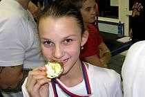 """Lenka Bešíková """"ochutnala"""" v Táboře, jak chutná zlatá medaile. A hned dvakrát."""