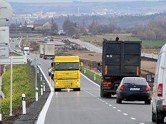 Provoz u Postoloprt se přesunul na novou silnici, z té původní bude dálnice D7.