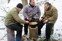 Odsouzení z Drahonic v zimě pomáhají na hradu Krakovci