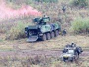 Poprvé v bojové činnosti se představily nové obrněné kolové bojové transportéry Pandur II 8×8 CZ.