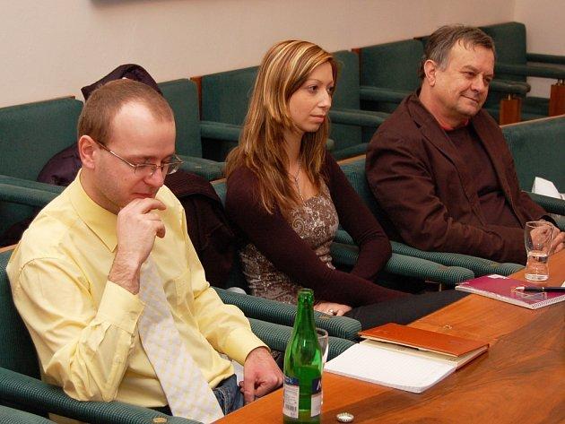 Své názory prezentovali na schůzce také zástupci Loun, místostarosta Jan Čermák (vpravo) a Lucie Minaříková z infocentra. Jednání se zúčastnil i Jiří Kopica, ředitel žateckého muzea.