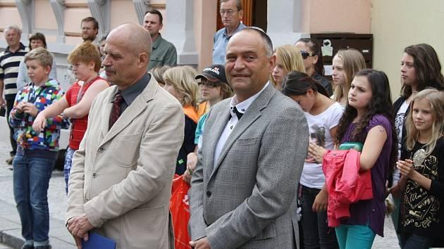 Radovan Šabata, starosta Loun (vlevo), a Oldřich Látal, předseda Židovské obce Teplice, pod niž Lounsko spadá.