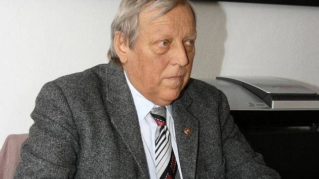Ředitel Oblastního muzea Louny Bedřich Štauber