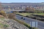 Dostavba dálnice D7 na obchvatu Loun