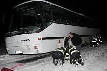 Zapadlý autobus mezi Radíčevsí a Sýrovicemi